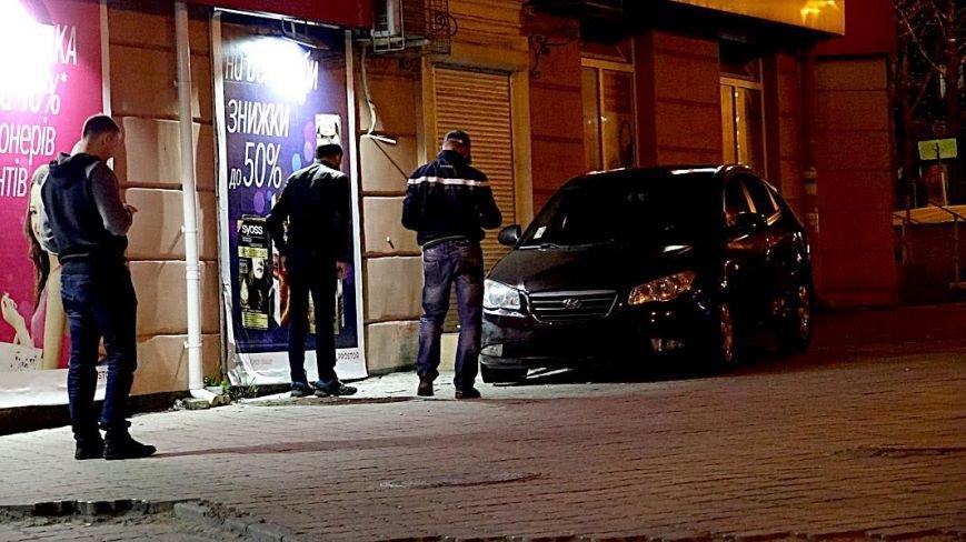 """В Мариуполе """"Хюндай"""" чуть не влетел в подземный переход (ФОТО), фото-4"""