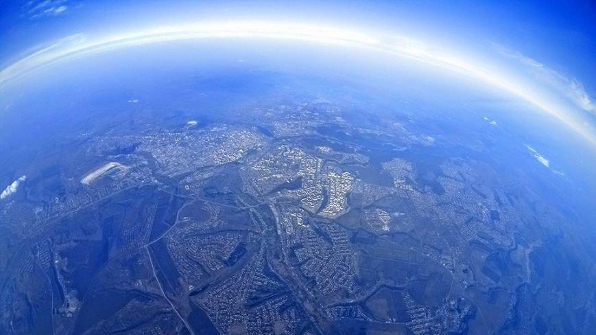 Белгородец сделал селфи на высоте 5,5 километра, фото-1