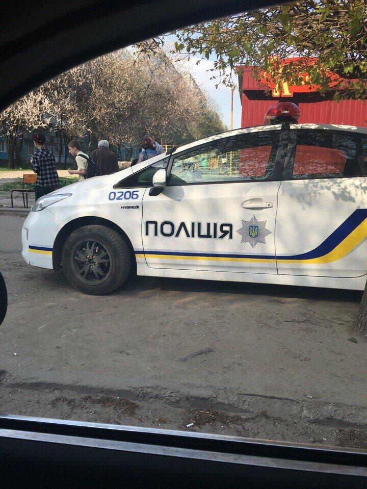 Как полицейские нарушают правила парковки в Днепропетровске (ФОТО) (фото) - фото 3
