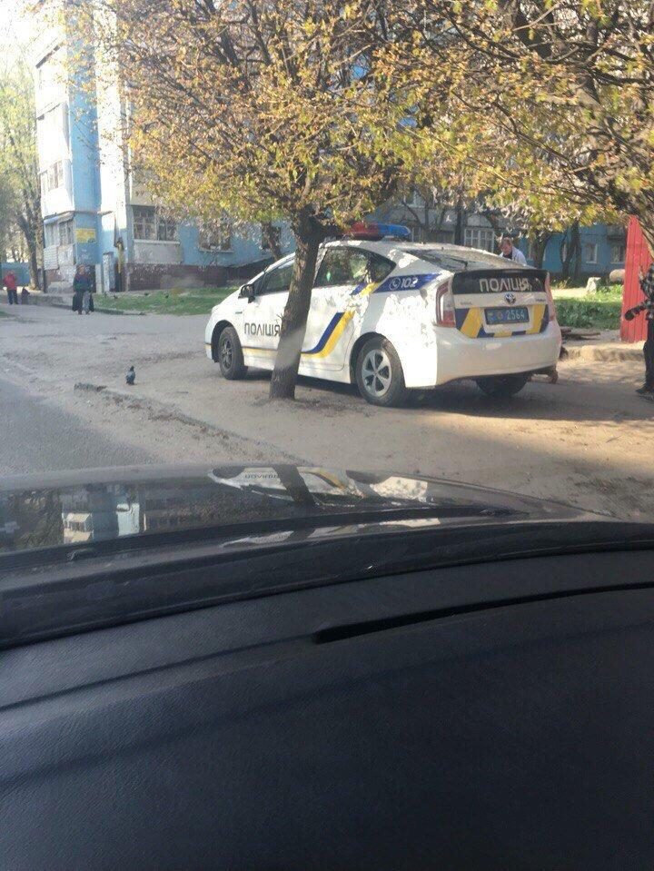 Как полицейские нарушают правила парковки в Днепропетровске (ФОТО) (фото) - фото 1