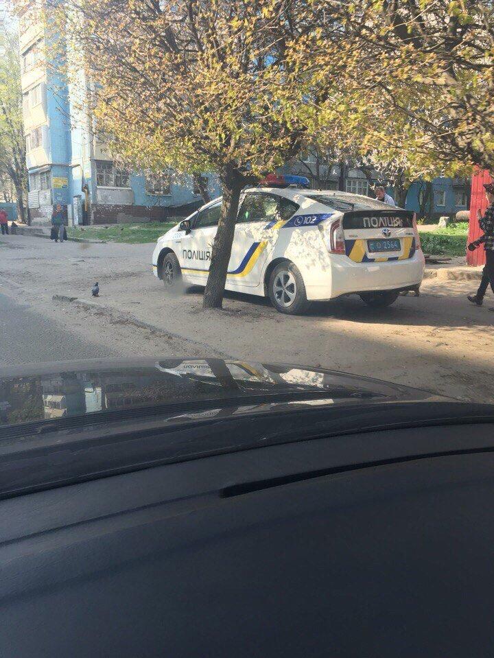 Как полицейские нарушают правила парковки в Днепропетровске (ФОТО) (фото) - фото 2