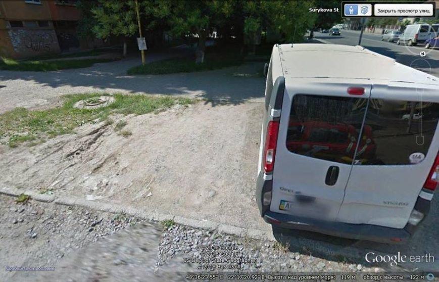 Ужгородські водії продовжуть дивувати своїм вмінням парковки (фото) - фото 1