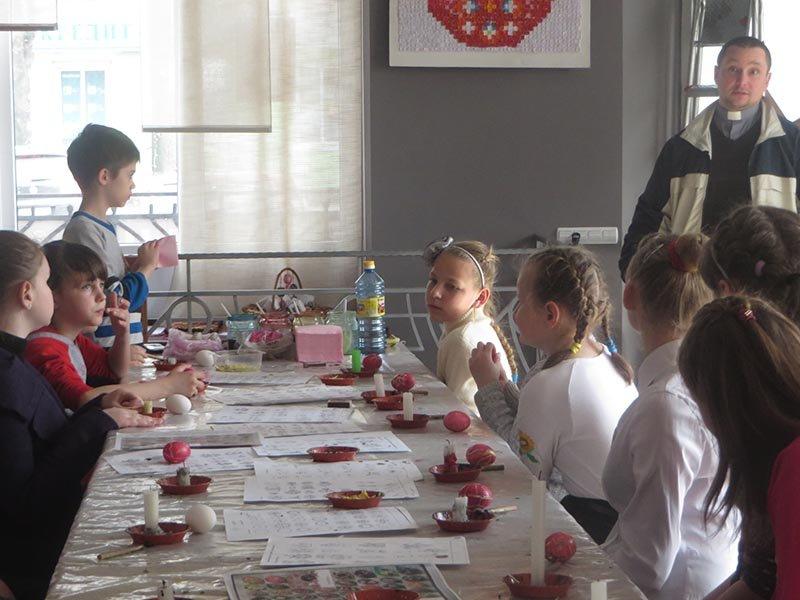 У Черкасах стартували майстер-класи з розпису писанок (ФОТО), фото-2