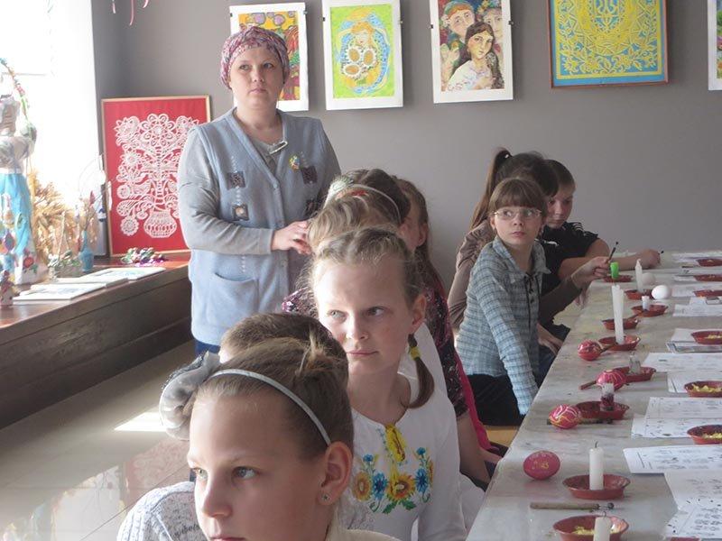 У Черкасах стартували майстер-класи з розпису писанок (ФОТО), фото-1