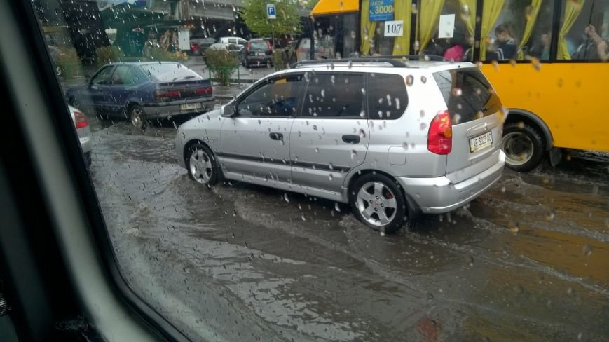 В Днепропетровске прошел град и подтопило улицы (ФОТО), фото-11