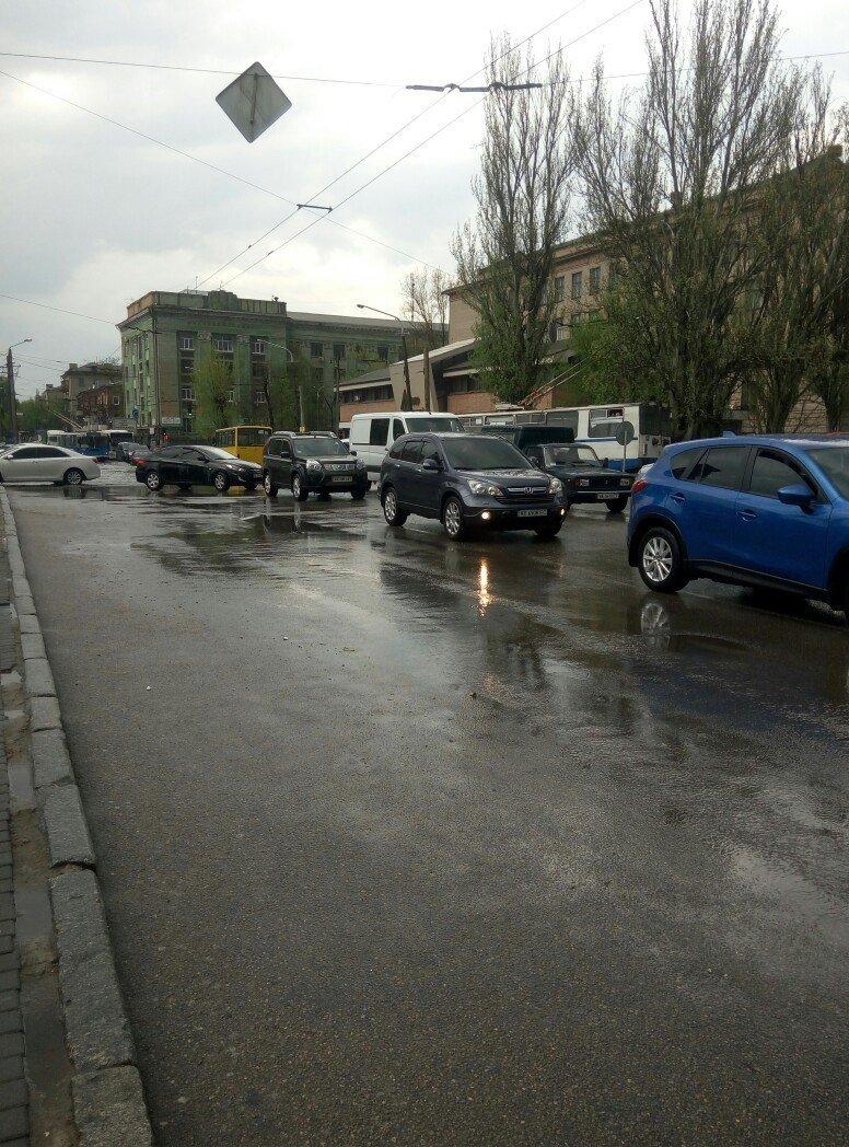 В Днепропетровске прошел град и подтопило улицы (ФОТО) (фото) - фото 8