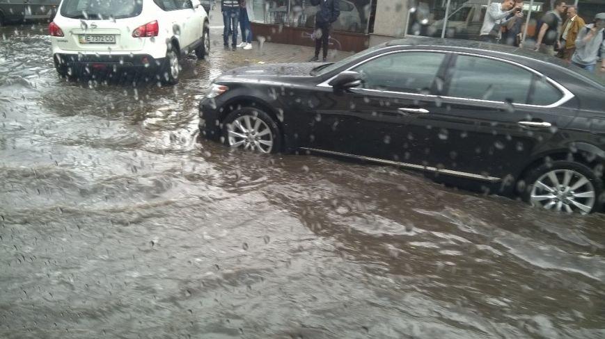 В Днепропетровске прошел град и подтопило улицы (ФОТО) (фото) - фото 10