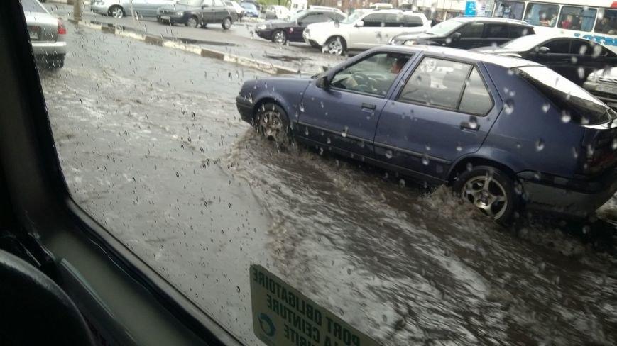 В Днепропетровске прошел град и подтопило улицы (ФОТО), фото-8