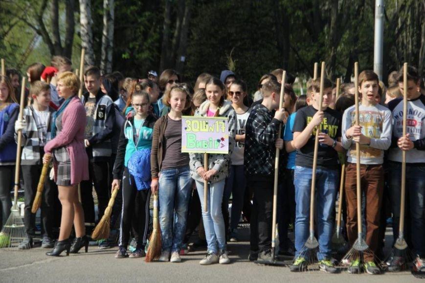 Сегодня в Кременчуге молодёжь начала наводить порядки в городских парках (фото и видео), фото-1