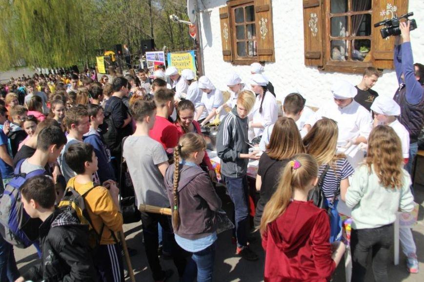 Сегодня в Кременчуге молодёжь начала наводить порядки в городских парках (фото и видео), фото-9