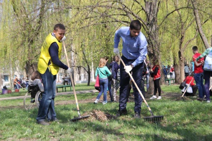 Сегодня в Кременчуге молодёжь начала наводить порядки в городских парках (фото и видео), фото-3