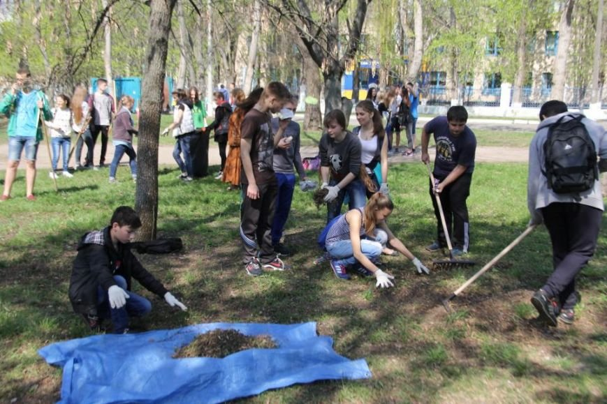 Сегодня в Кременчуге молодёжь начала наводить порядки в городских парках (фото и видео), фото-6