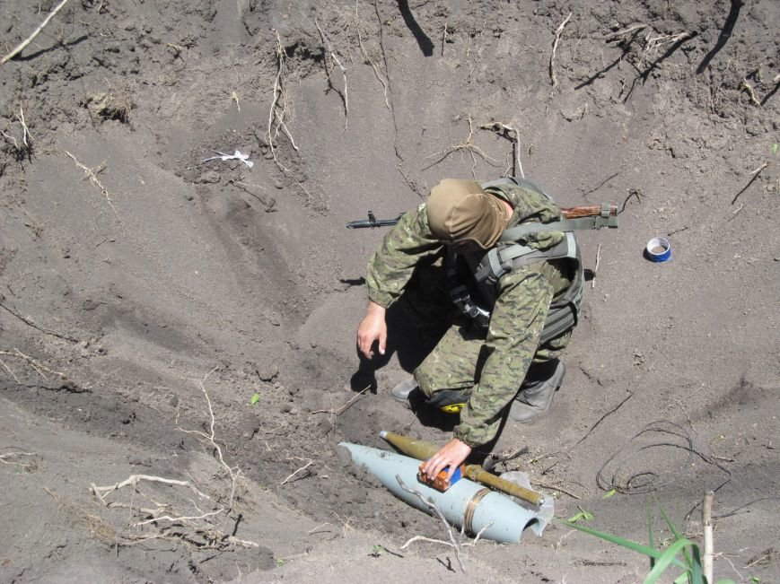 Инженерные войска ВСУ на Луганщине чистят окопы и очищают от мин дороги (ФОТО) (фото) - фото 1