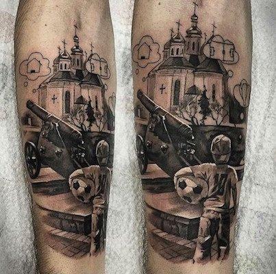 Андрей Ярмоленко сделал татуировку с видом Чернигова (фото) - фото 1