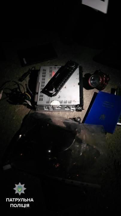 В Кременчуге вор-неудачник хватал всё, что попадалось под руку, пока сам не попался патрульным (ФОТО), фото-1