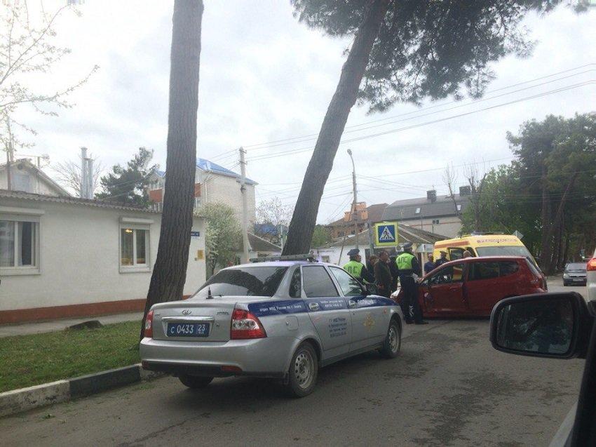 В Анапе произошло серьезное ДТП (фото) - фото 2