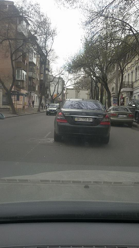bd83ed9063b6fec17d3473eb2599ed80 В Одессе за рулем крутой иномарки засветился почетный работник военкомата - миллионер Кисловский