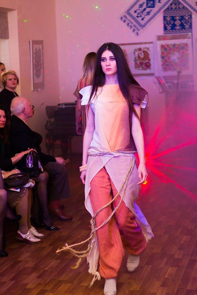 В Конотопі продемонстрували не лише виставку, але й модний показ (фото), фото-5