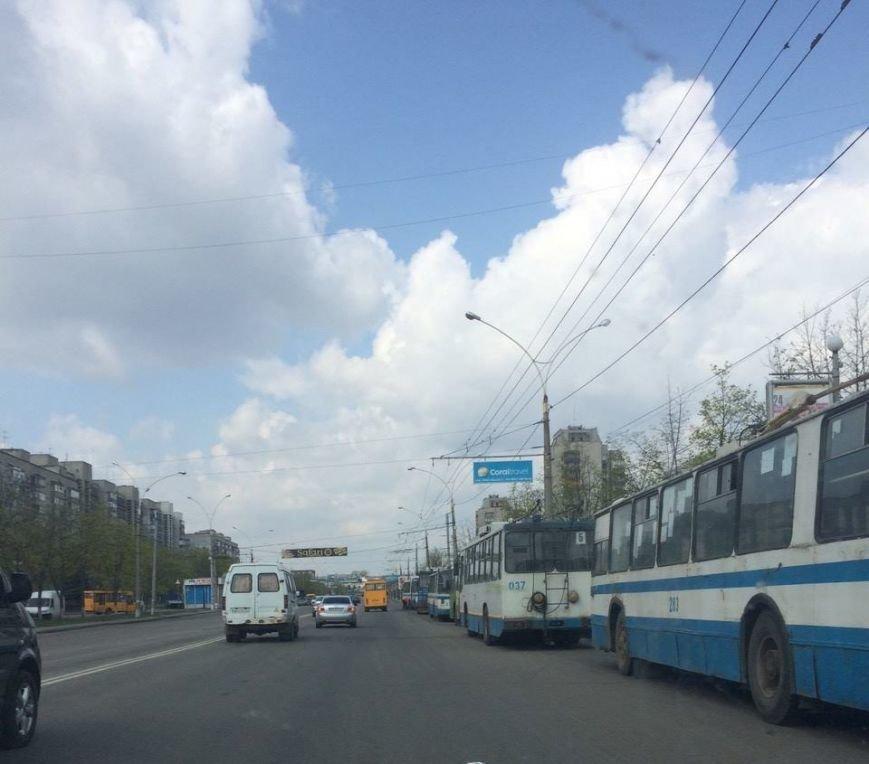 В Сумах на улице Харьковской остановились троллейбусы (ФОТО), фото-2
