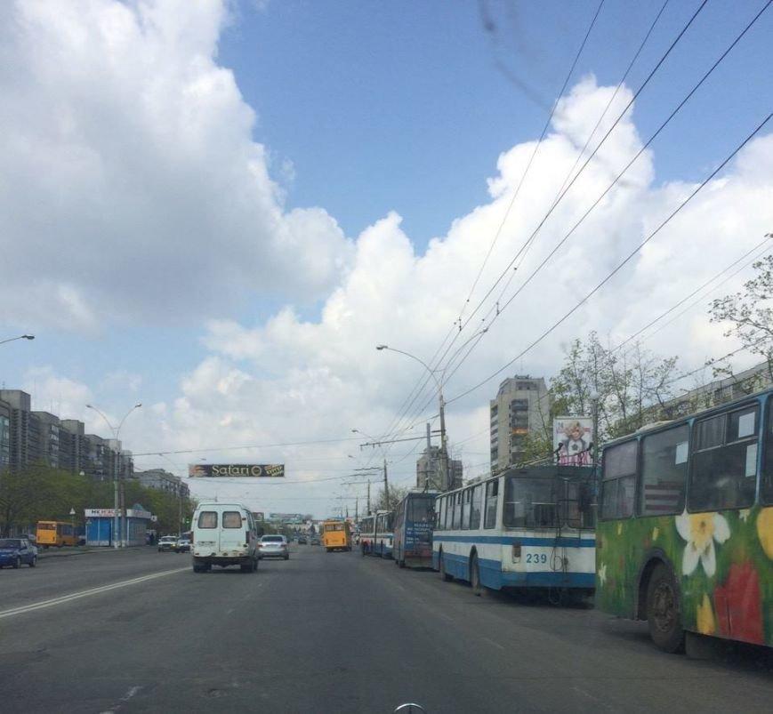 В Сумах на улице Харьковской остановились троллейбусы (ФОТО), фото-3