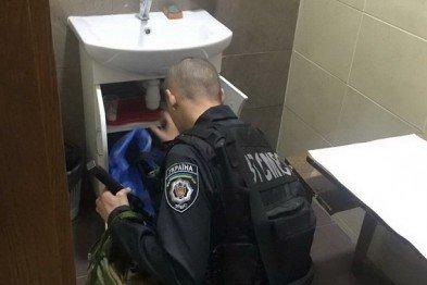 У туалеті Ужгородської міської ради виявлено бойову гранату, фото-9