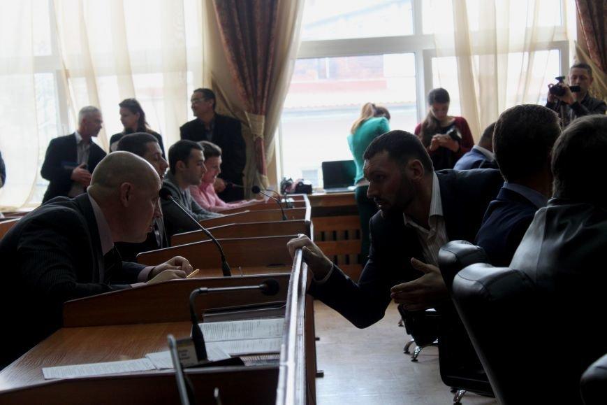 У туалеті Ужгородської міської ради виявлено бойову гранату, фото-7