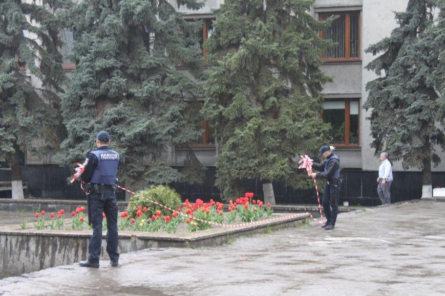 У туалеті Ужгородської міської ради виявлено бойову гранату, фото-3