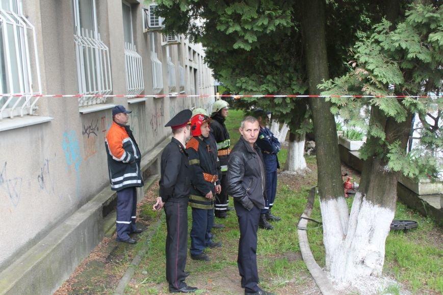 У туалеті Ужгородської міської ради виявлено бойову гранату, фото-1