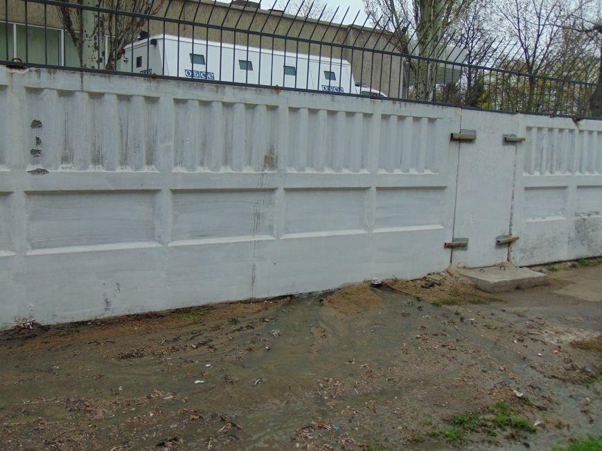 Мариупольские коммунальщики спасали офис ОБСЕ от затопления (ФОТО) (фото) - фото 1