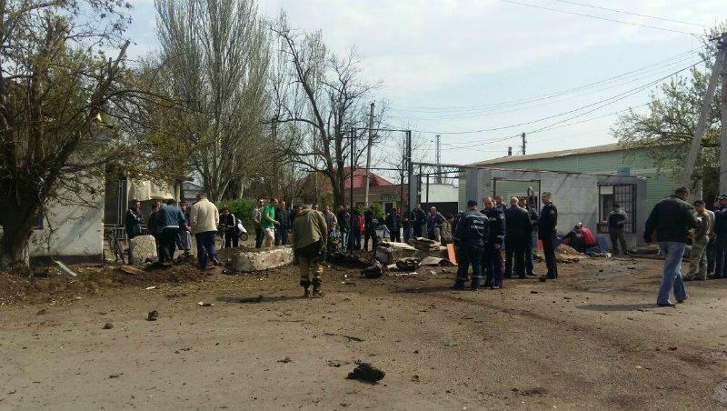 Фотографии с места взрыва автомобиля в Новоалексевке (фото) - фото 1