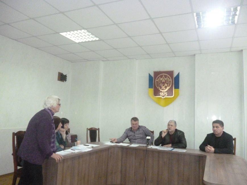 В Красноармейске в который раз пытались определить судьбу памятника Кобзарю (фото) - фото 5