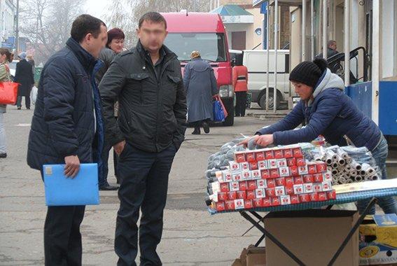 433e79cef61b72fc25ebe4275f22be7b Под Одессой полицейские навели «шорох» на продуктовом рынке