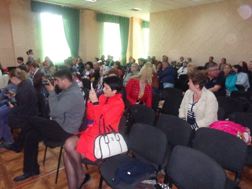 «Здесь улыбка в каждой ноте» - в Красноармейске прошел отчетный концерт юных дарований музыкальной школы имени Н. Д. Леонтовича (фото) - фото 2