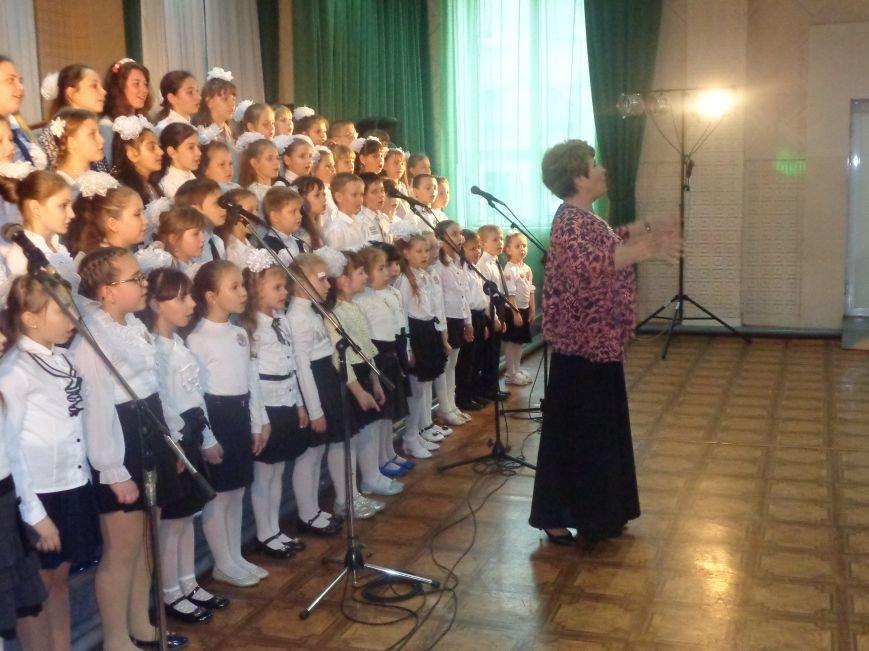 «Здесь улыбка в каждой ноте» - в Красноармейске прошел отчетный концерт юных дарований музыкальной школы имени Н. Д. Леонтовича (фото) - фото 18