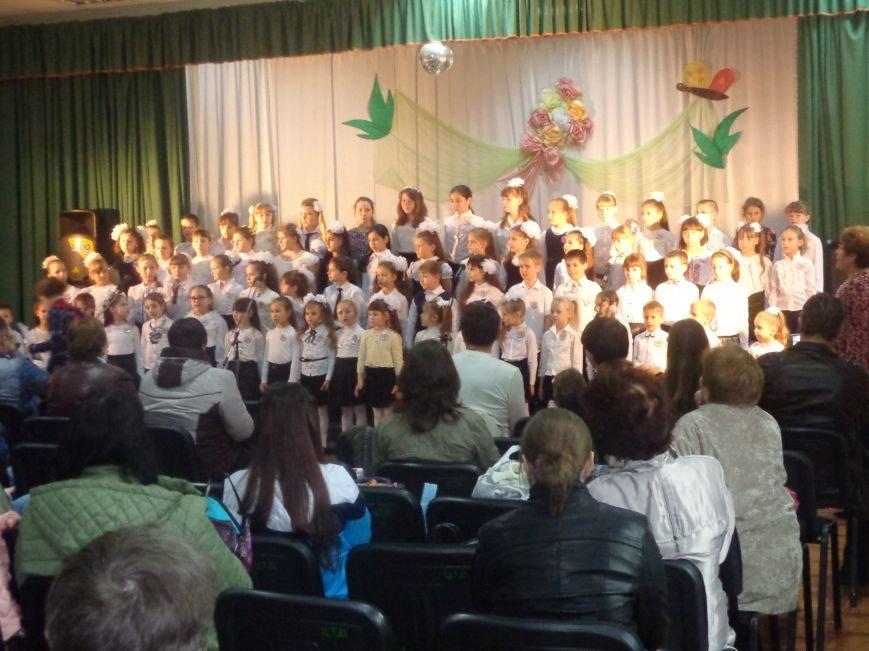 «Здесь улыбка в каждой ноте» - в Красноармейске прошел отчетный концерт юных дарований музыкальной школы имени Н. Д. Леонтовича (фото) - фото 5