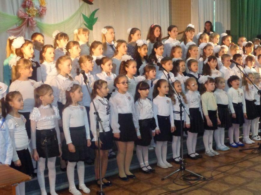 «Здесь улыбка в каждой ноте» - в Красноармейске прошел отчетный концерт юных дарований музыкальной школы имени Н. Д. Леонтовича (фото) - фото 7
