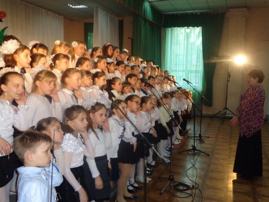 «Здесь улыбка в каждой ноте» - в Красноармейске прошел отчетный концерт юных дарований музыкальной школы имени Н. Д. Леонтовича (фото) - фото 15