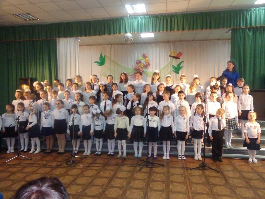 «Здесь улыбка в каждой ноте» - в Красноармейске прошел отчетный концерт юных дарований музыкальной школы имени Н. Д. Леонтовича (фото) - фото 3
