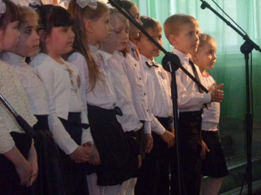 «Здесь улыбка в каждой ноте» - в Красноармейске прошел отчетный концерт юных дарований музыкальной школы имени Н. Д. Леонтовича (фото) - фото 10