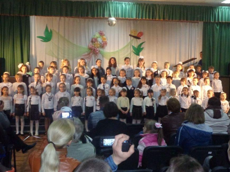 «Здесь улыбка в каждой ноте» - в Красноармейске прошел отчетный концерт юных дарований музыкальной школы имени Н. Д. Леонтовича (фото) - фото 6
