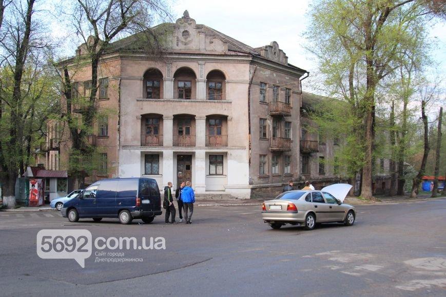 В Днепродзержинске в ДТП возле ДК имени Горького столкнулись Fiat и Opel (фото) - фото 1