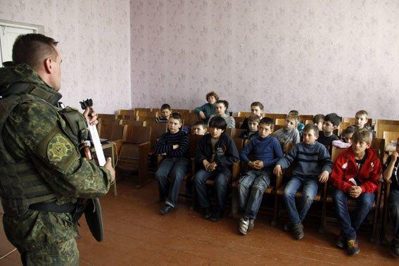Каждый пятый ребенок в Донецкой области - переселенец (фото) - фото 9