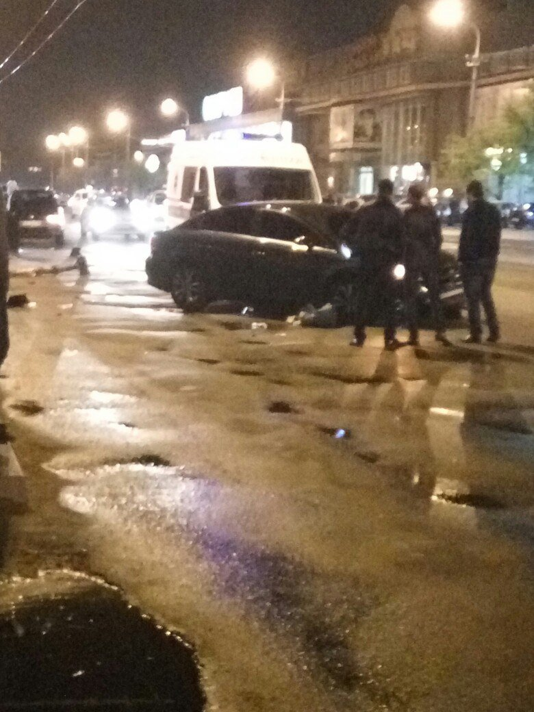 ДТП на ж/м Победа: Toyota Avensis врезалась в столб (ФОТО), фото-3