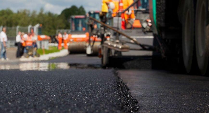 На ремонт дорог в Саратовской области выделен один миллиард (фото) - фото 1