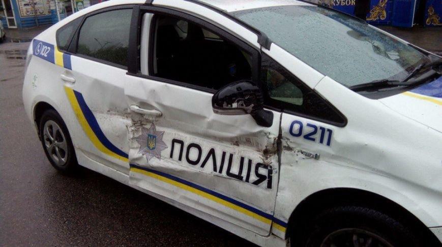 ДТП на ж\м Тополь: столкнулись полицейская Toyota и ВАЗ 2106 (ФОТО) (фото) - фото 2