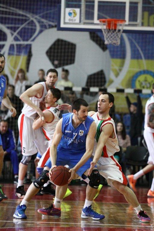 В первом матче полуфинальной серии плей-офф Суперлиги Фаворит Спорт