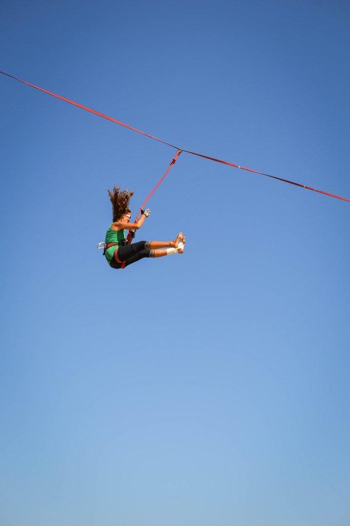 aab89e6042e2ff0f8e877d5e95d84b10 Искусство самоконтроля: Одесситы в парках по канатам прыгают