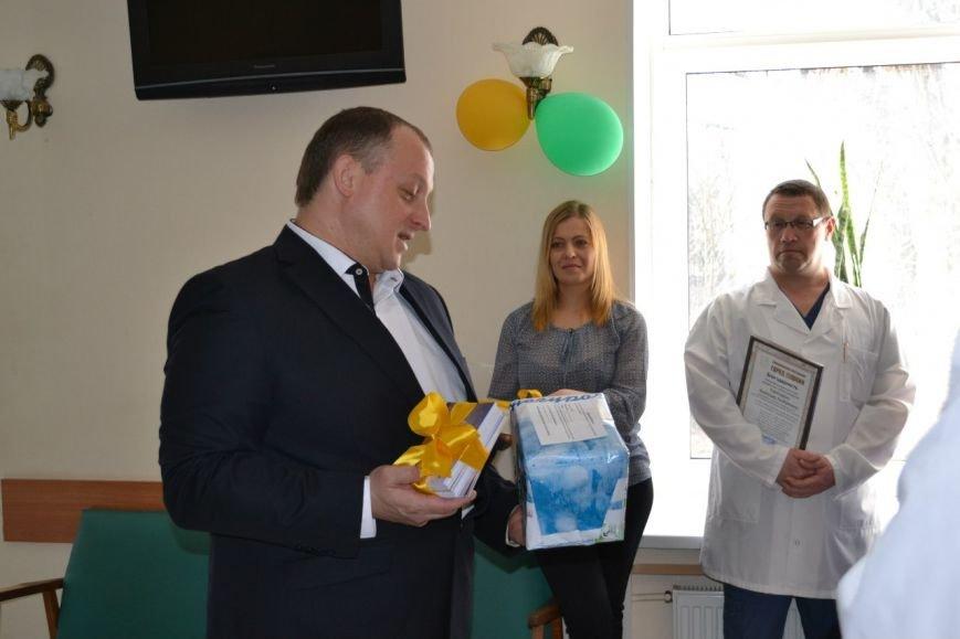 Врачей из Пушкинского роддома поблагодарили за их важную и высокую миссию (фото) - фото 1