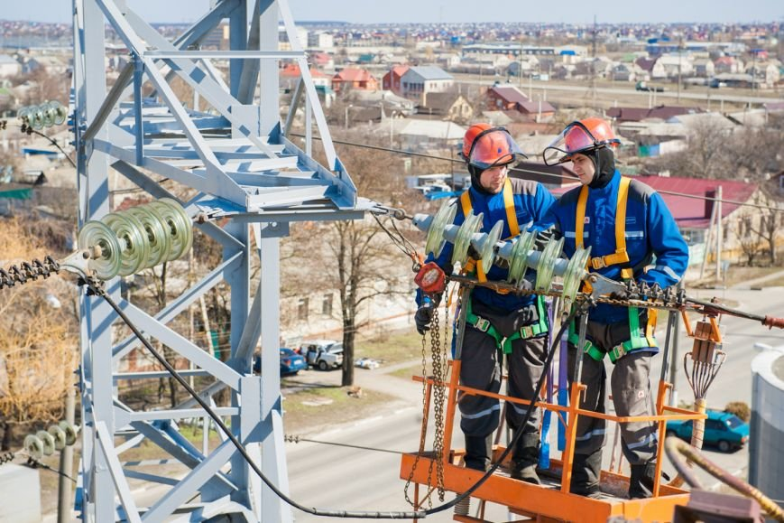 В Белгородской области к проверке энергооборудования приступили 377 бригад, фото-1