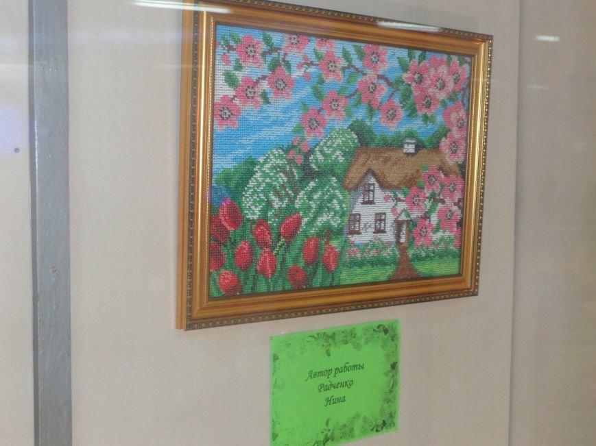 Буйство красок в каждом мазке кисти: в Красноармейске представили художественную выставку «Весенний вернисаж» (фото) - фото 5